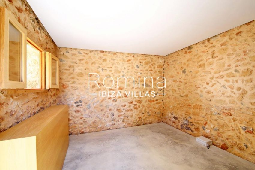 can fogana ibiza-4bedroom stone walls