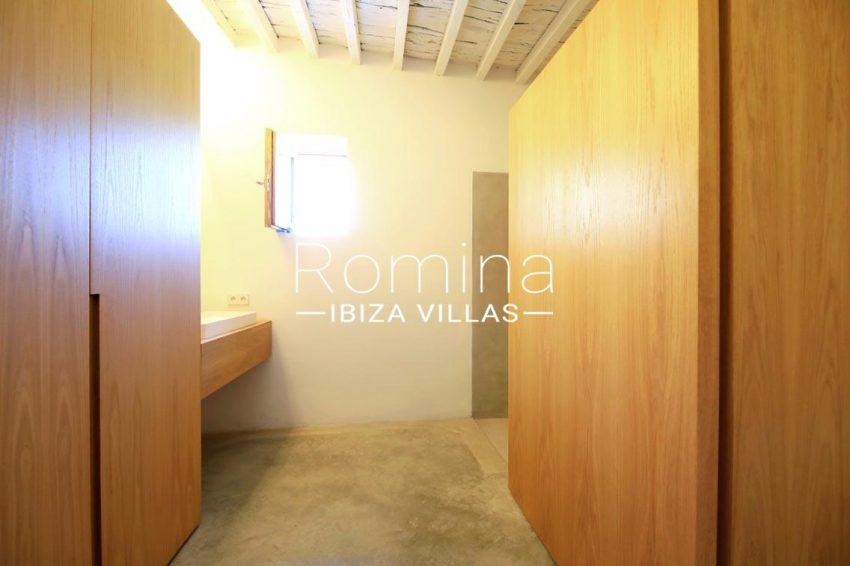 can fogana ibiza-5bathroom2
