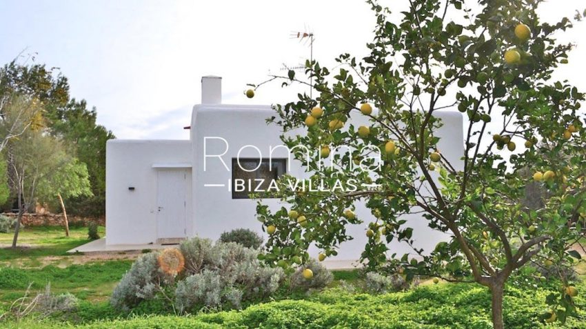 can puxet ibiza-2guest house lemon tree