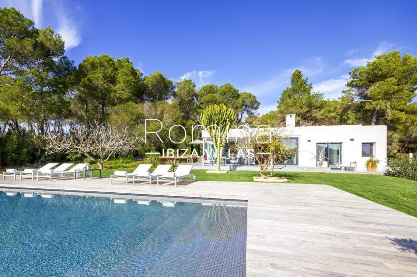 casa ben ibiza-2pool facade garden2