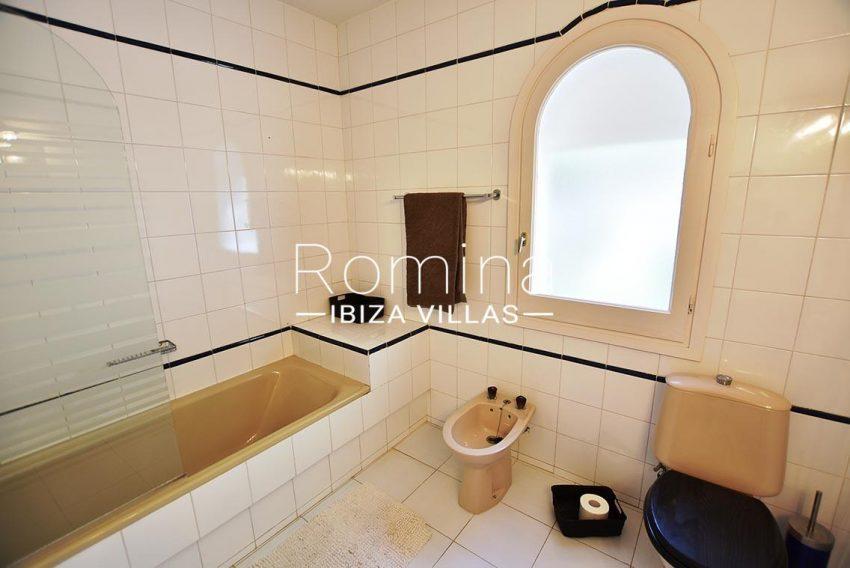 casa kila ibiza-5bathroom2
