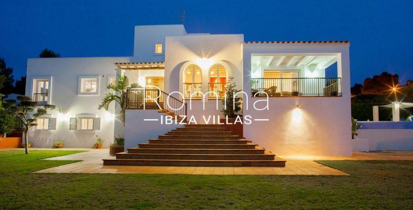 villa baixa ibiza-2facde evening2