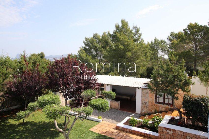 villa baixa ibiza-2garden barbecue area
