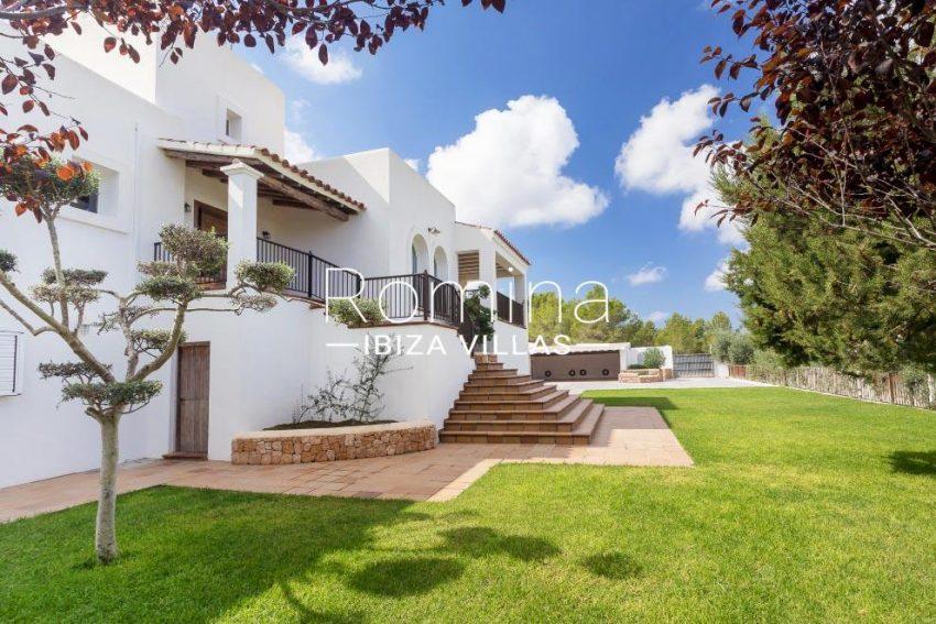 villa baixa ibiza-2garden facade