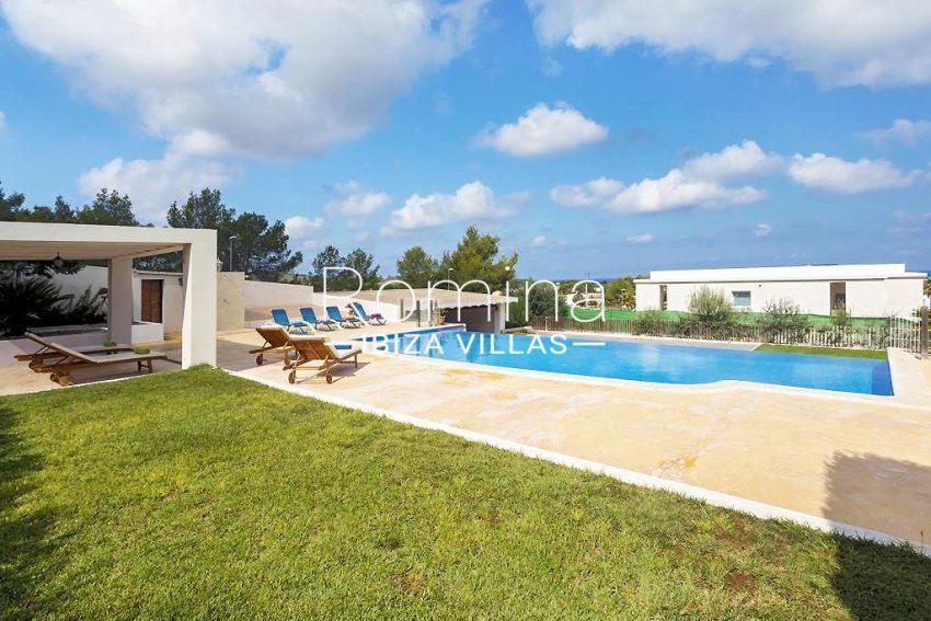 villa baixa ibiza-2pool garden