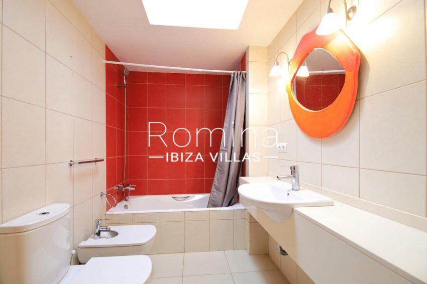 atico talamanca ibiza-5bathroom