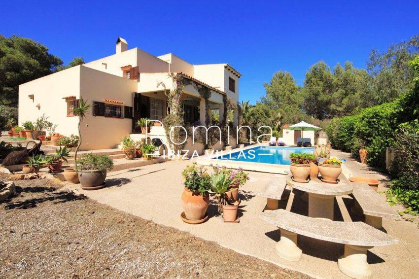 casa caliza ibiza-2pool terraces facade