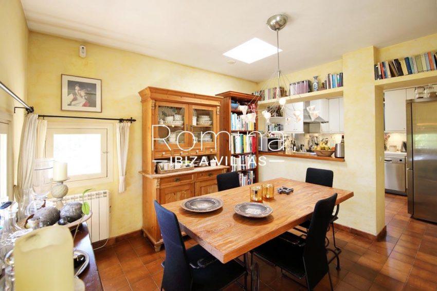 casa caliza ibiza-3zdining room