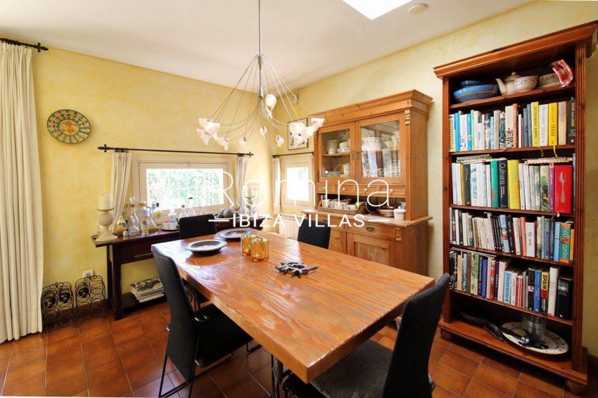 casa caliza ibiza-3zdining room2