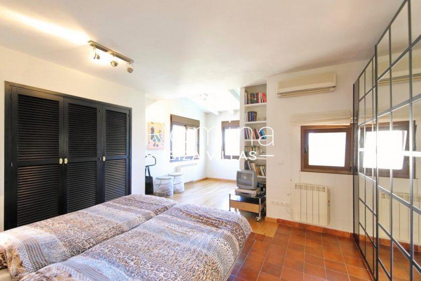 casa caliza ibiza-4master bedroom