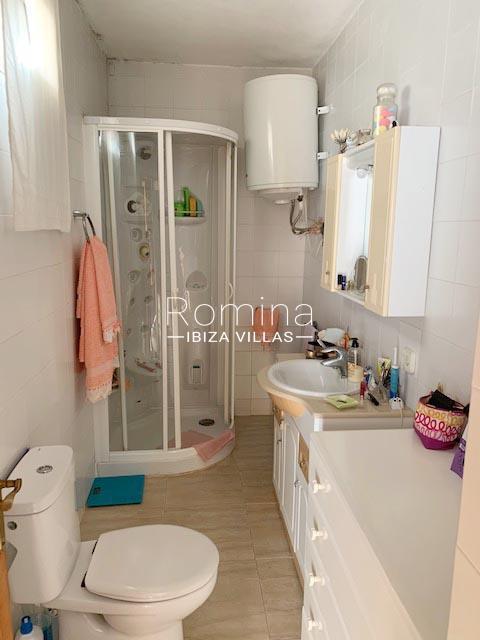 casa ema ibiza-5shower room2