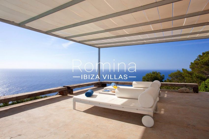 villa agapanthe ibiza-1terrace chill out sea view