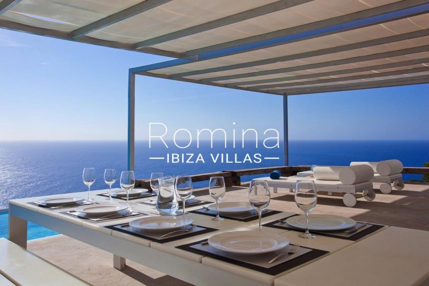villa agapanthe ibiza-1terrace dining table sea view