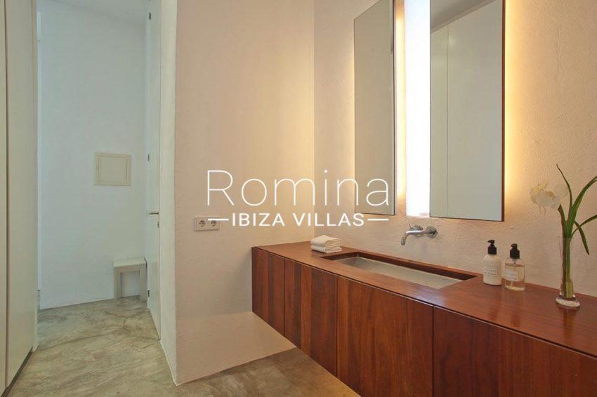 villa agapanthe ibiza-5bathroom1bis