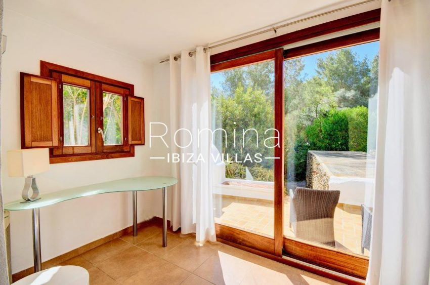 villa aria ibiza-4bedroom terrace
