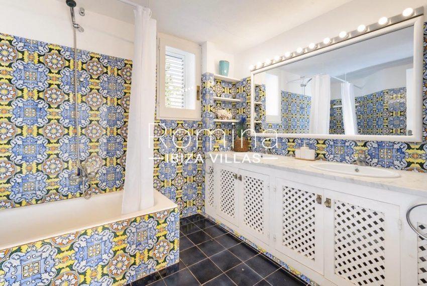 villa artemis ibiza-5bathroom