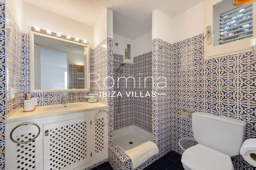 villa artemis ibiza-5shower room