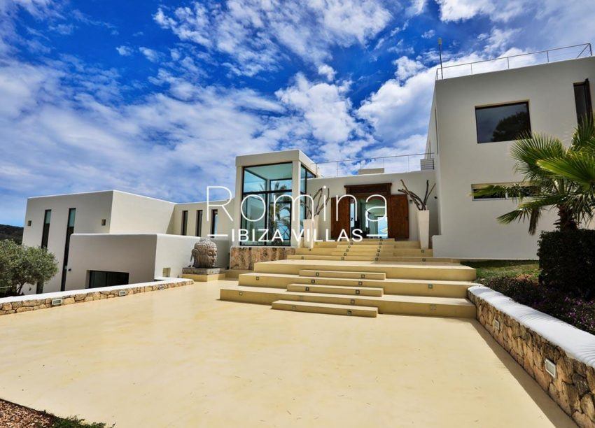 villa blue bay ibiza-2entrance facade