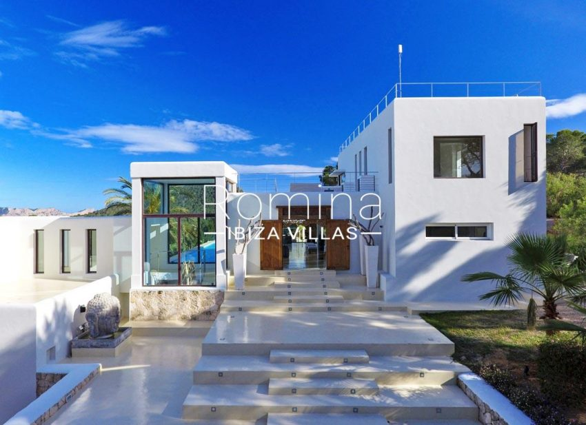 villa blue bay ibiza-2entrance facade2