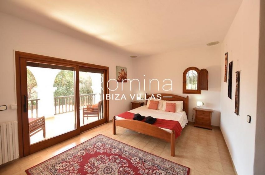 villa camps ibiza-4bedroom terrace upstairs