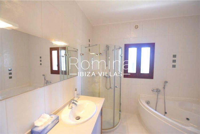 villa camps ibiza-5bathroom