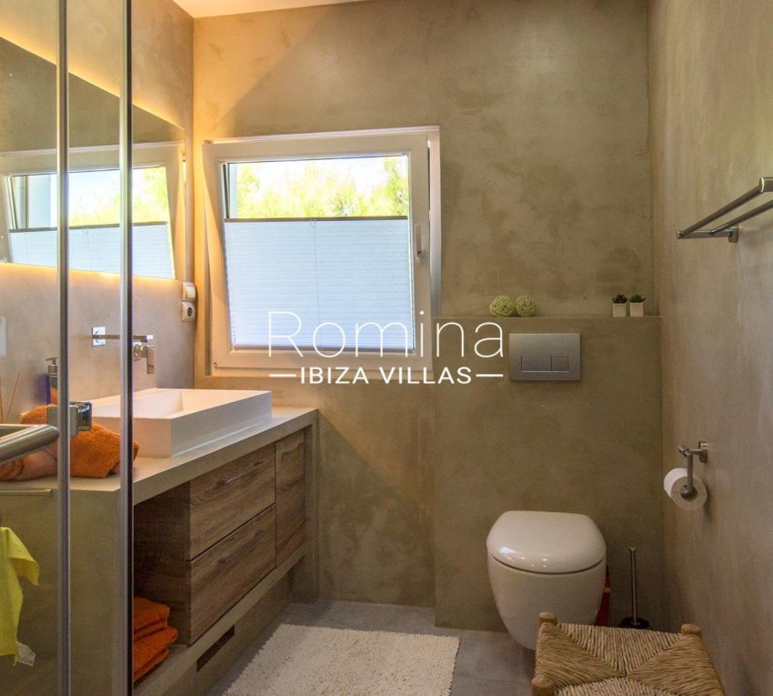 villa miki ibiza-5shower room2bis