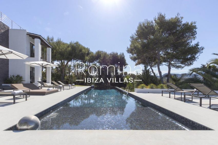 can sarmiento ibiza-2pool terrace