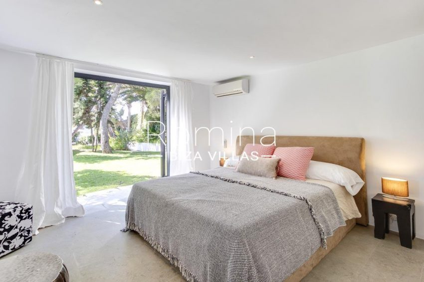 can sarmiento ibiza-4bedroom3 view garden