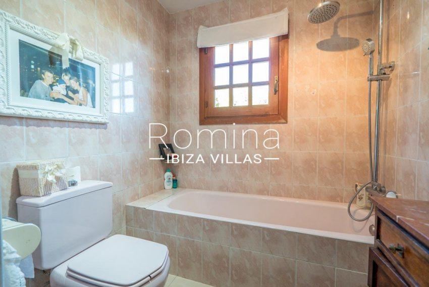 casa danny ibiza-5bathroom2
