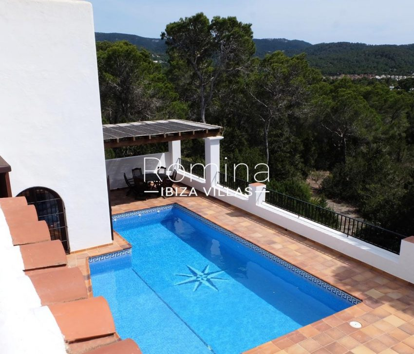 casa roy ibiza-2pool terrace dining area3