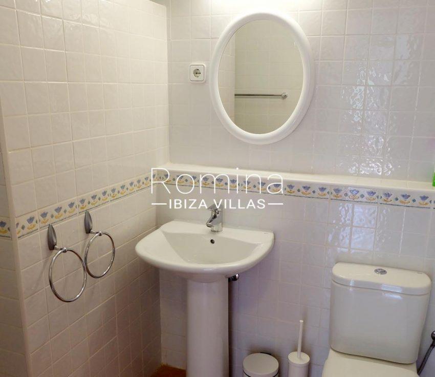 casa roy ibiza-5toilet