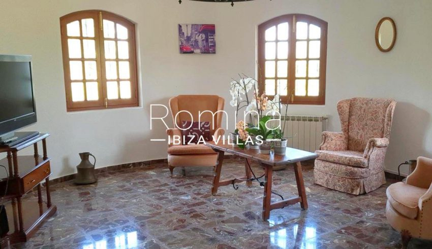 casa ula ibiza-3sitting roomTV