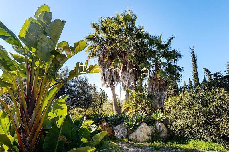 romina-ibiza-villas-rv-581-82-casa-ula-2garden