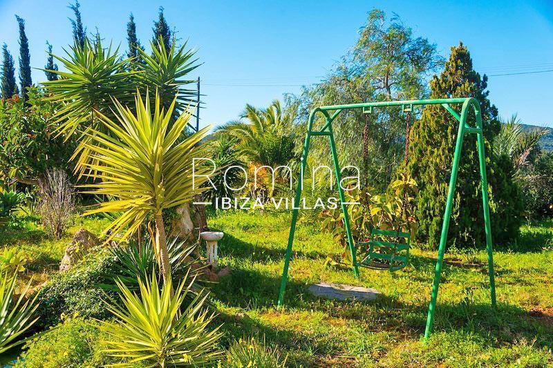 romina-ibiza-villas-rv-581-82-casa-ula-2garden2