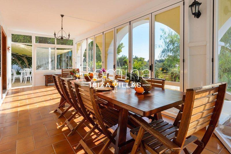 romina-ibiza-villas-rv-581-82-casa-ula-3dining room veranda2