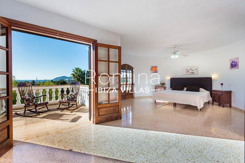 romina-ibiza-villas-rv-581-82-casa-ula-4bedroom2 terrace