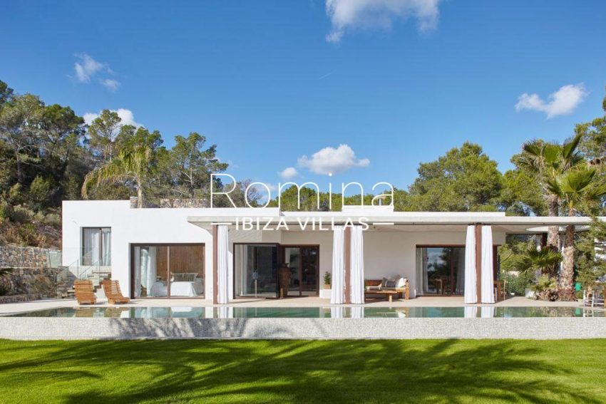 villa esmeralda ibiza-2garden pool facade