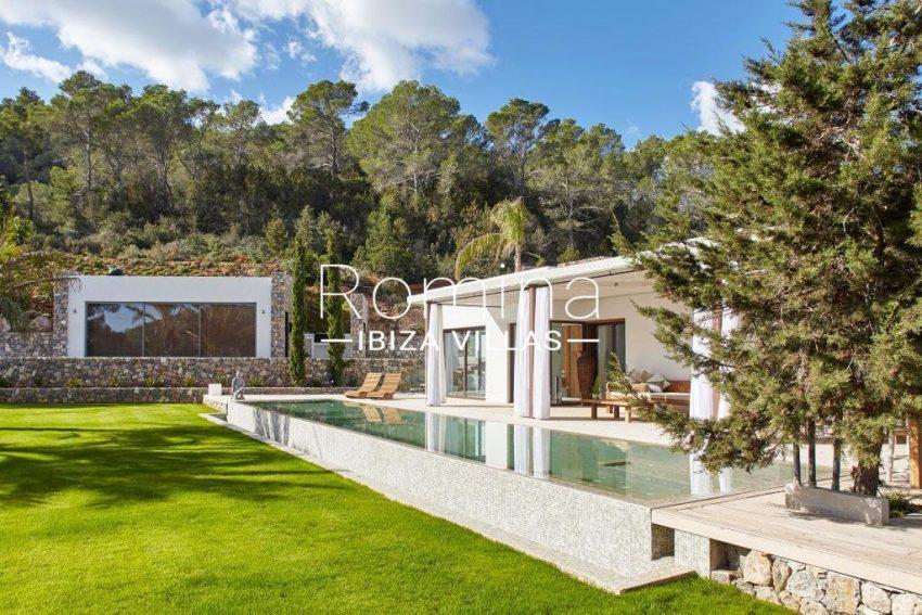 villa esmeralda ibiza-2pool facade