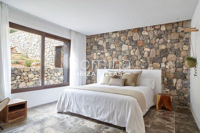 villa esmeralda ibiza-4bedroom stone wall