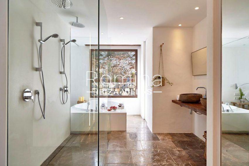 villa esmeralda ibiza-5bathroom1