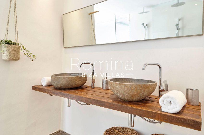 villa esmeralda ibiza-5stone sinks