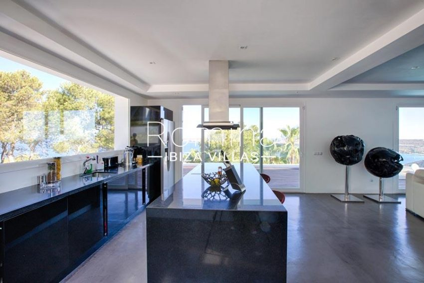 villa lince ibiza-3zkitchen sea view