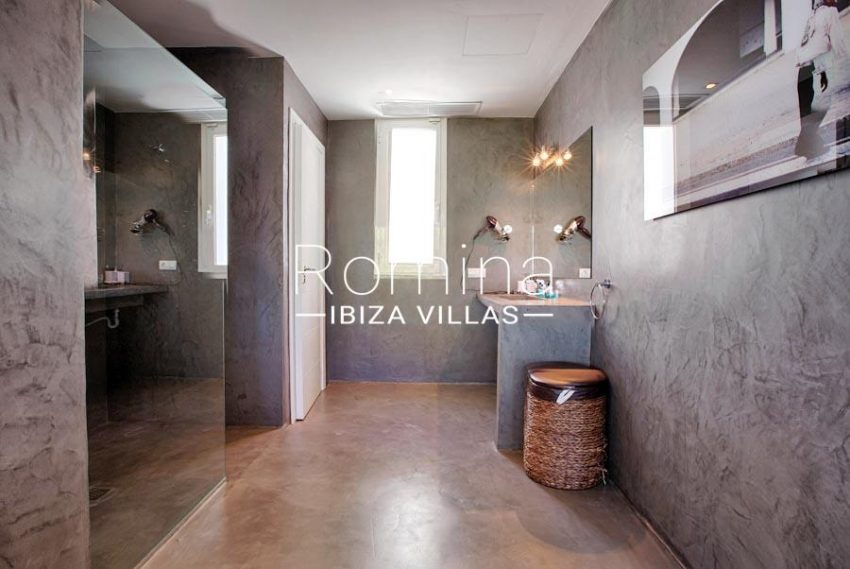villa lince ibiza-5bathroom