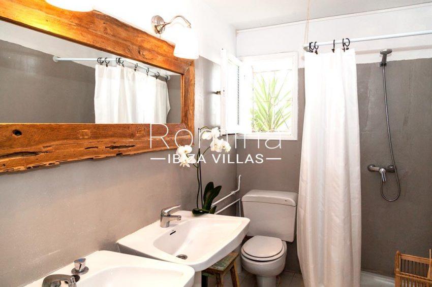 villa mar ibiza-5shower room3