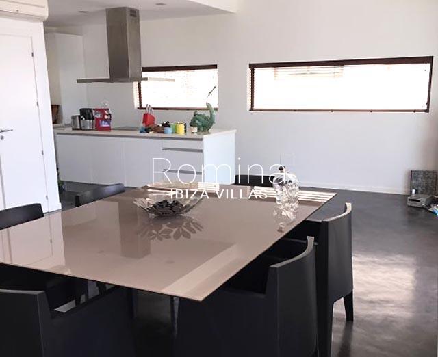 villa namaste ibiza-3zdining area kitchen