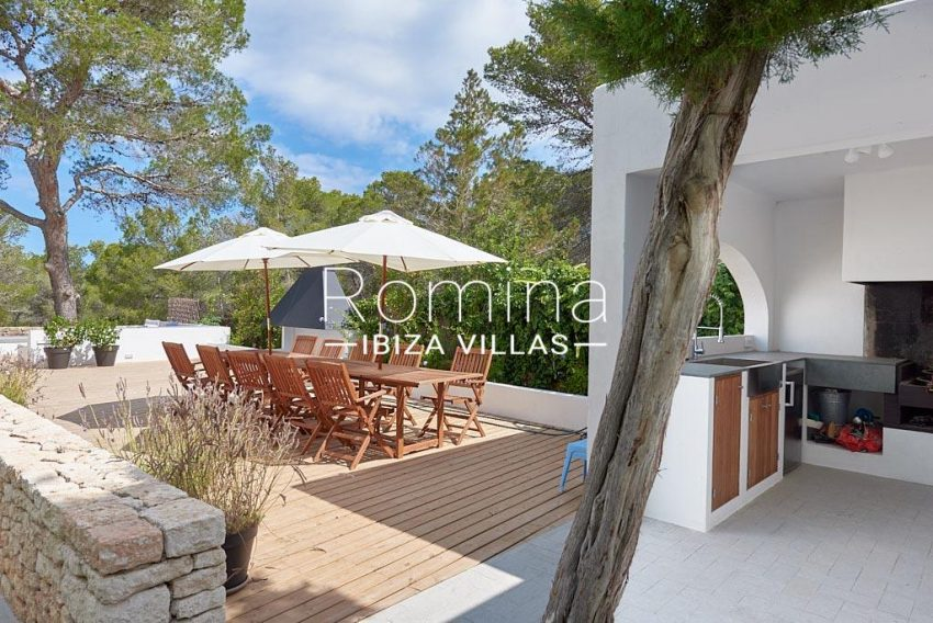 villa punta galera ibiza-2outdoor kitchen dining area