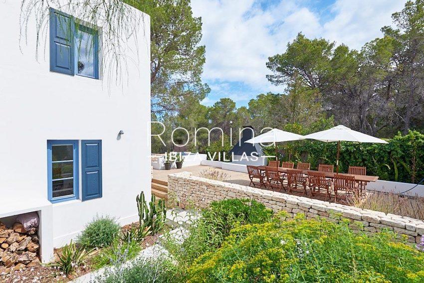 villa punta galera ibiza-2side facade terrace dining area