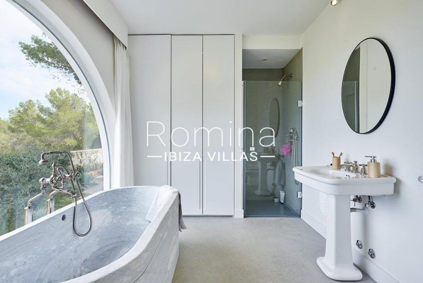 villa punta galera ibiza-5bathroom1