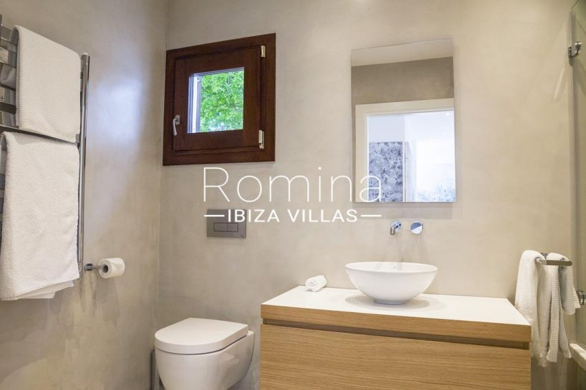 villa topaze ibiza-5shower room1bis