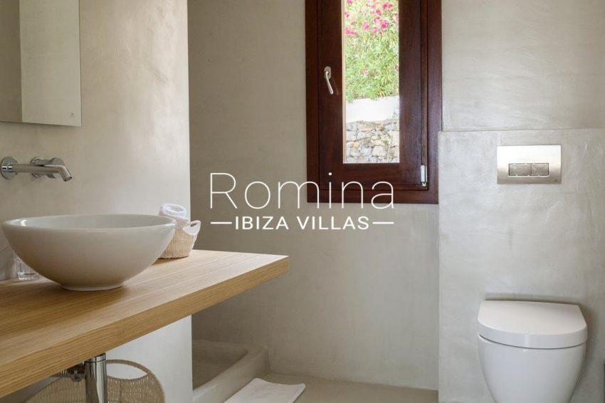 villa topaze ibiza-5shower room2